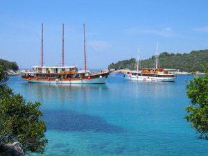 Old Timer Gullet Ships