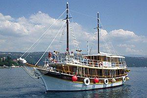 Wooden ship (2)