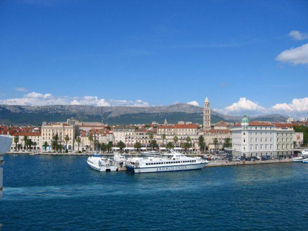 Split ferry harbor