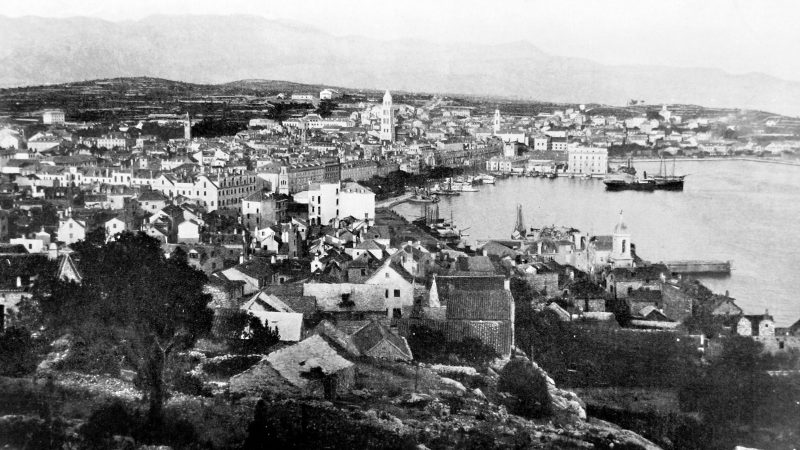 Split photo from 1910