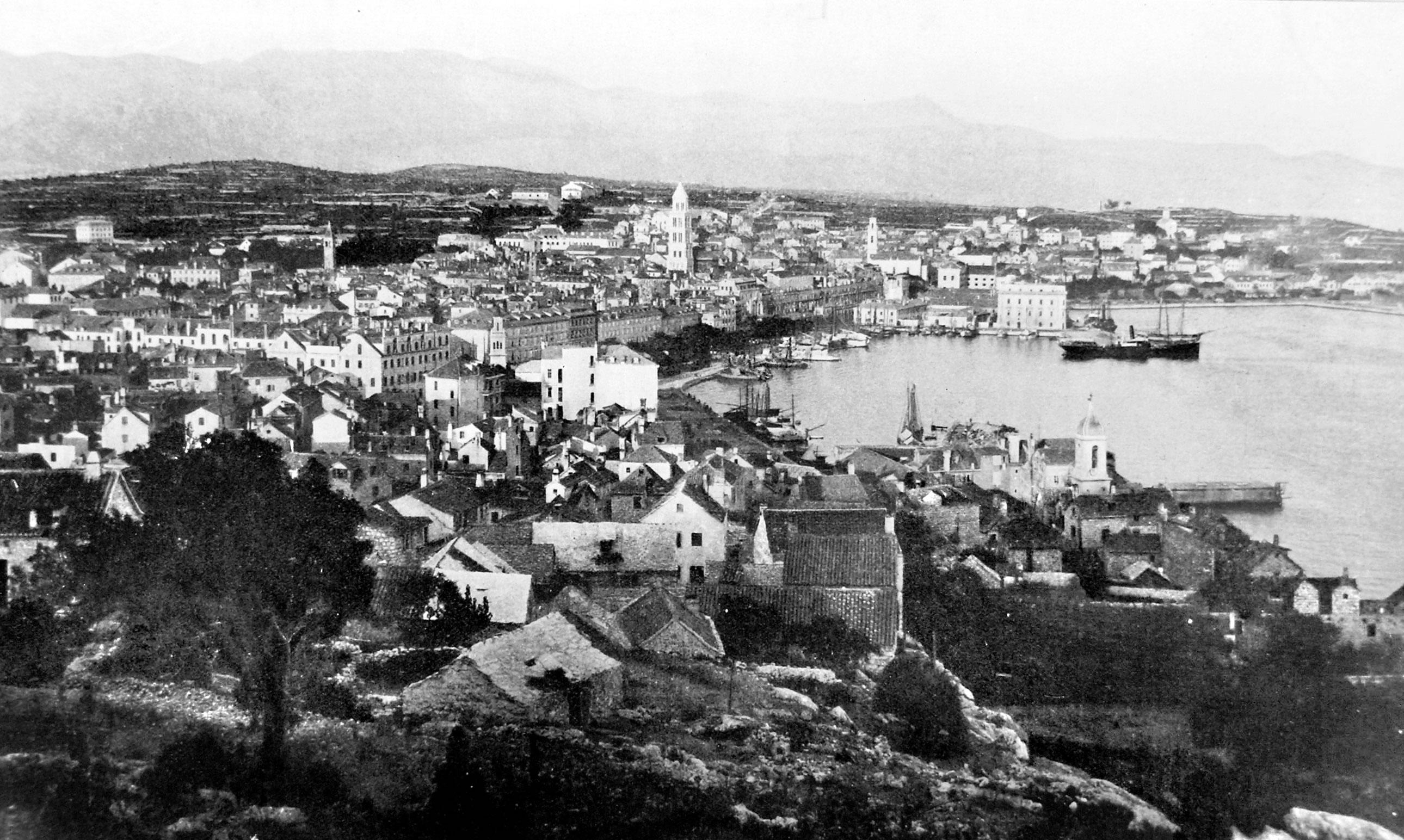 Split photo from 1910