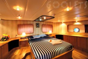 Deluxe gullet cabin