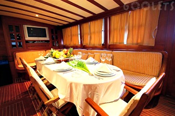 Deluxe gullet cabin (1)