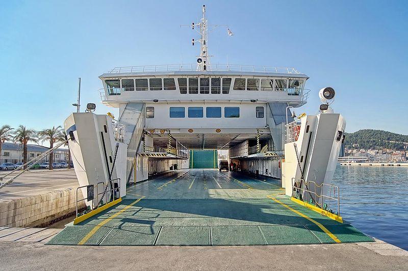Ferry to Supetar