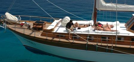 Standard gullet deck