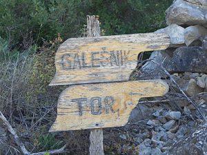 Tor & Galešnik sign