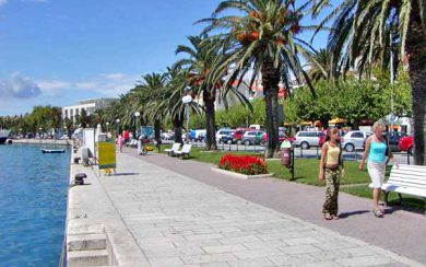 Makarska riva stroll