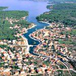 Vrboska village