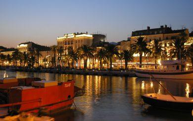 Split Riva at night