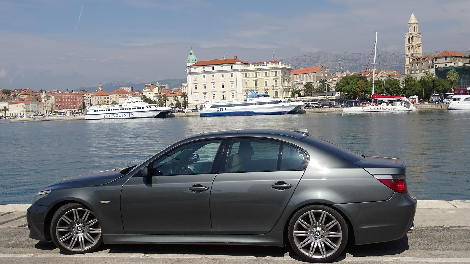 Split port car