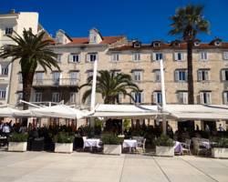 Adriana Hotel, Split riva