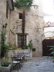 Derossi palace