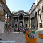Peristyle square